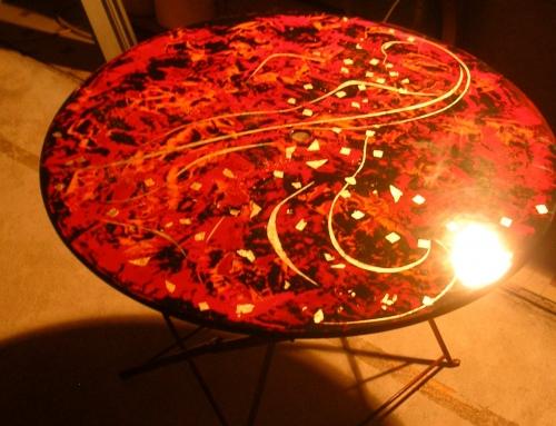 Table de jardin laquée rouge